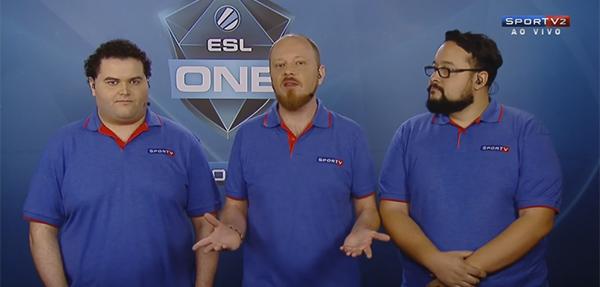 Bida (esq.) Savage (centro) e gORDOx narraram torneio de CS no SporTV (Foto: Reprodução)