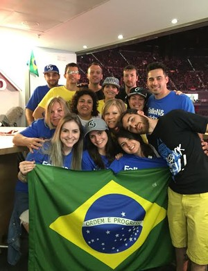 Parentes na torcida pelo brasileiros da SK Gaming CS:GO (Foto: Clicia Oliveira)